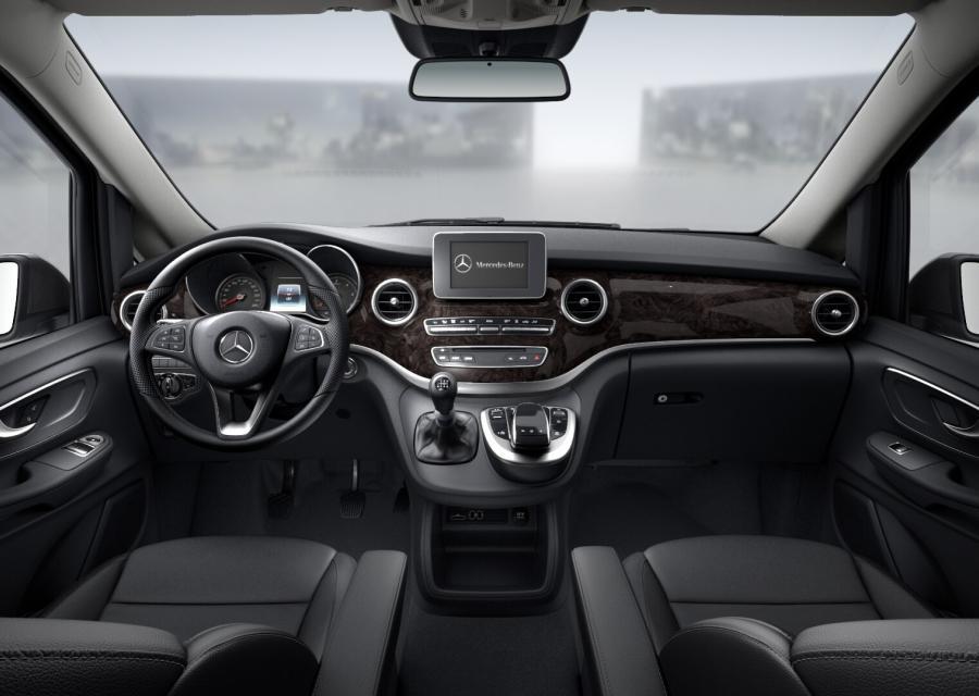 Rent Mercedes-Benz Clase V 220D Avantgarde Barcelona