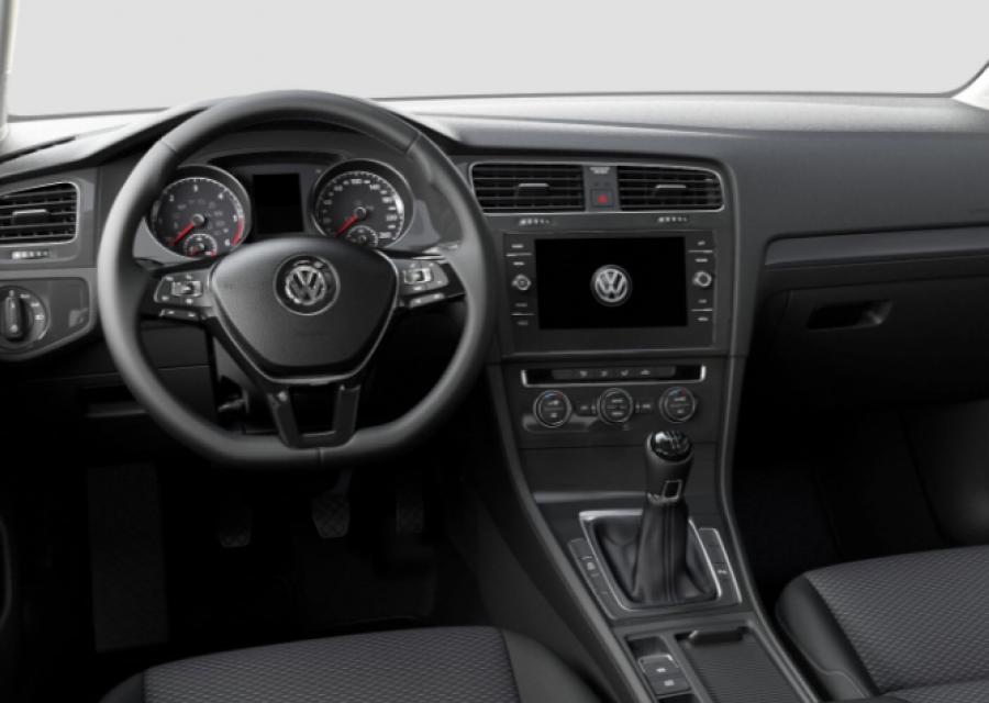 VW Golf salpicadero